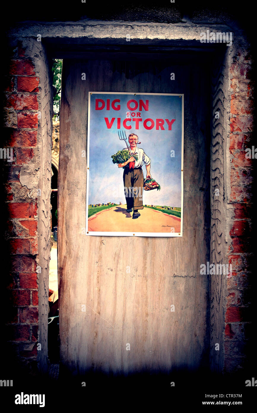 WW2 Propaganda poster promoting Dig For Victory - Stock Image