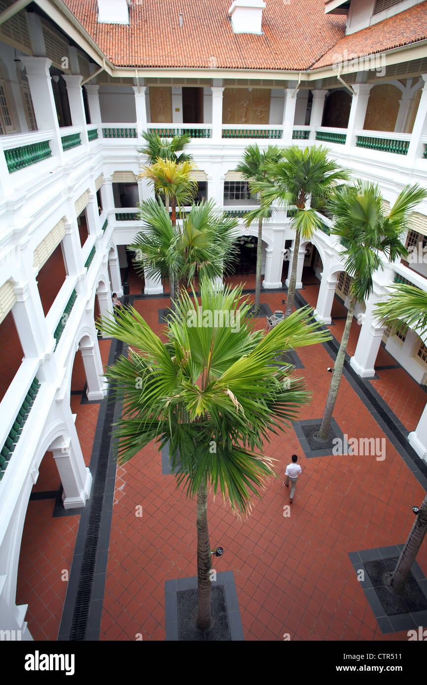 Courtyard at Raffles arcade Northbridge in Singapore. - Stock Image