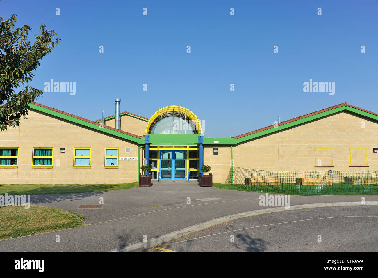 Modern UK Primary School building and entrance area. - Stock Image