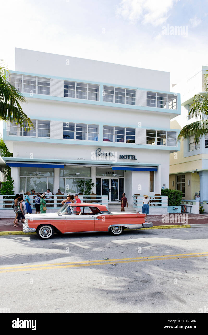Ford Galaxie, built in 1959, fifties, American classic cars, OCEAN DRIVE, Miami South Beach Art Deco district, Florida, - Stock Image