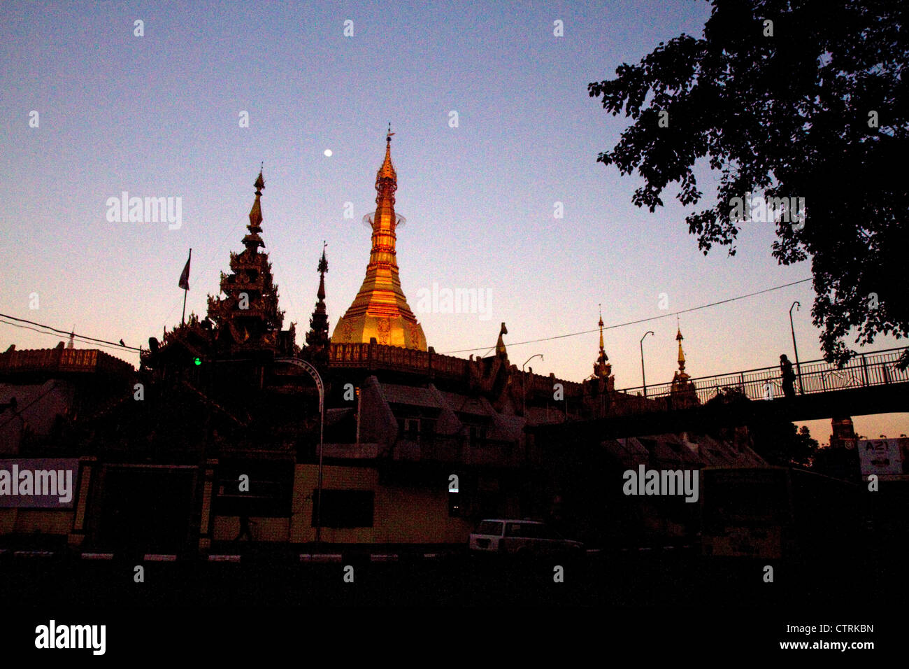 Sule Paya located in the heart of downtown (Rangoon) Yangon, (Burma) Myanmar. - Stock Image