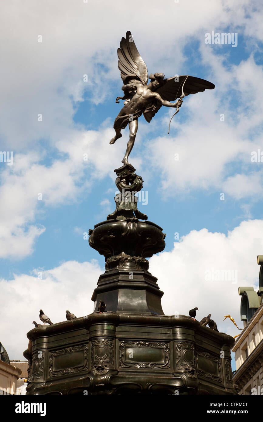 The famous statue of Eros in Londons Piccadilli Circus. Sculpted by Alfred Gilbert as the Greek God 'Anteros'. - Stock Image