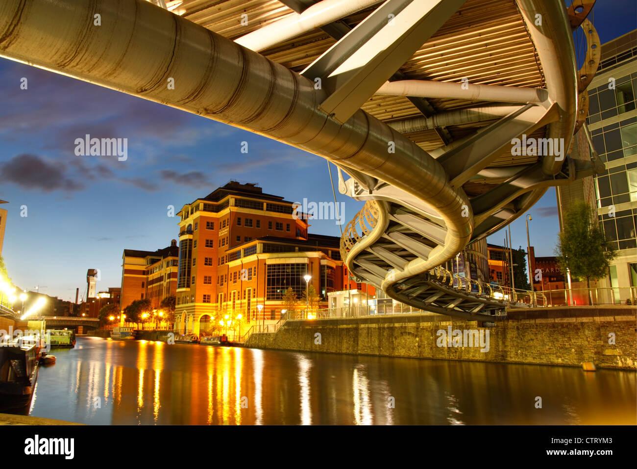 Valentine's Bridge, Temple Quay at dusk. Bristol, July 2012. - Stock Image