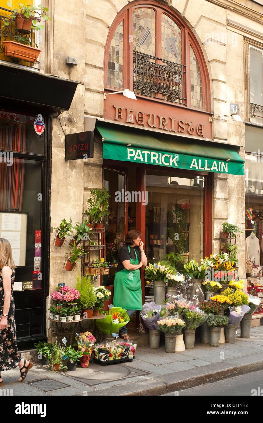 Paris France - Florist Shop in the Ile St Louis area - Stock Image