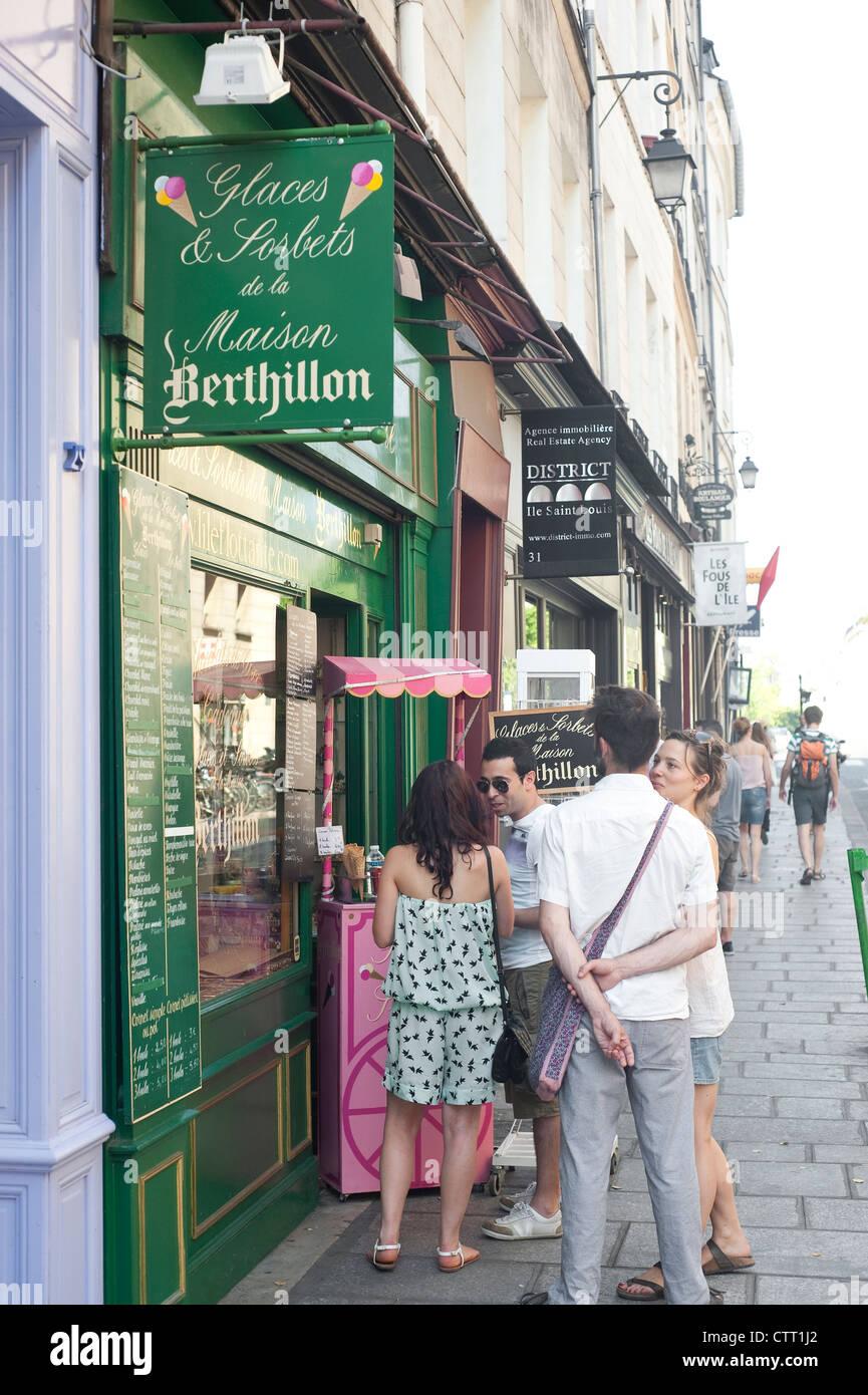 Paris France - Ice cream shop Berthillon  in the Ile St Louis area - Stock Image