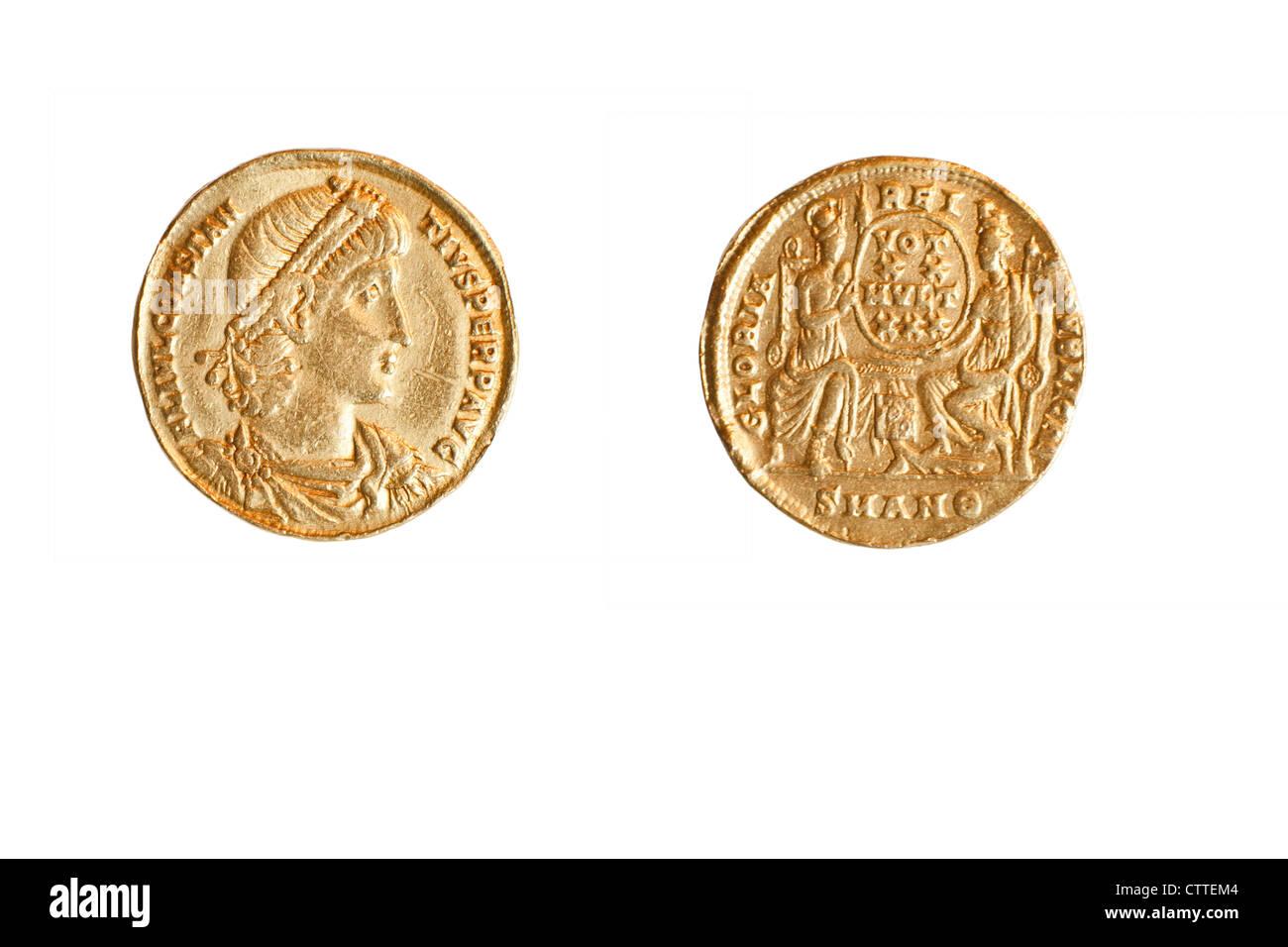 Golden Roman Coin. Emperor Constantine II (Constantinus) 337-361 CE Gold 4.5gr - Stock Image
