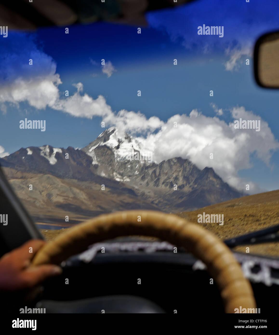 Driving up to Mt Huayna Potosi, Calahuyo, Cordillera real, Bolivia, Andes, South America, the Altiplano, high plateau - Stock Image