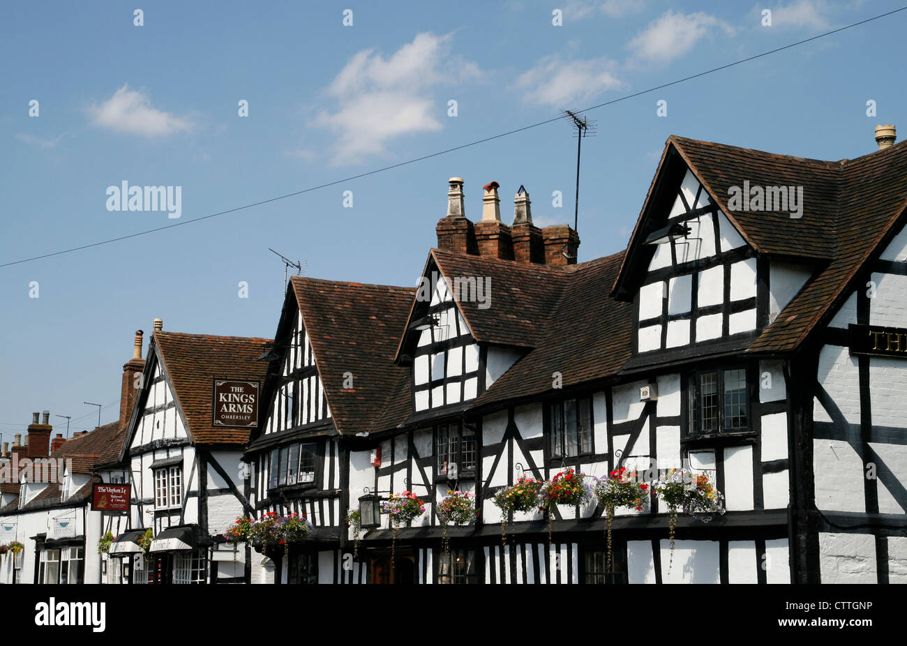 Fifteenth century Kings Arms Hotel Ombersley Worcestershire England UK - Stock Image