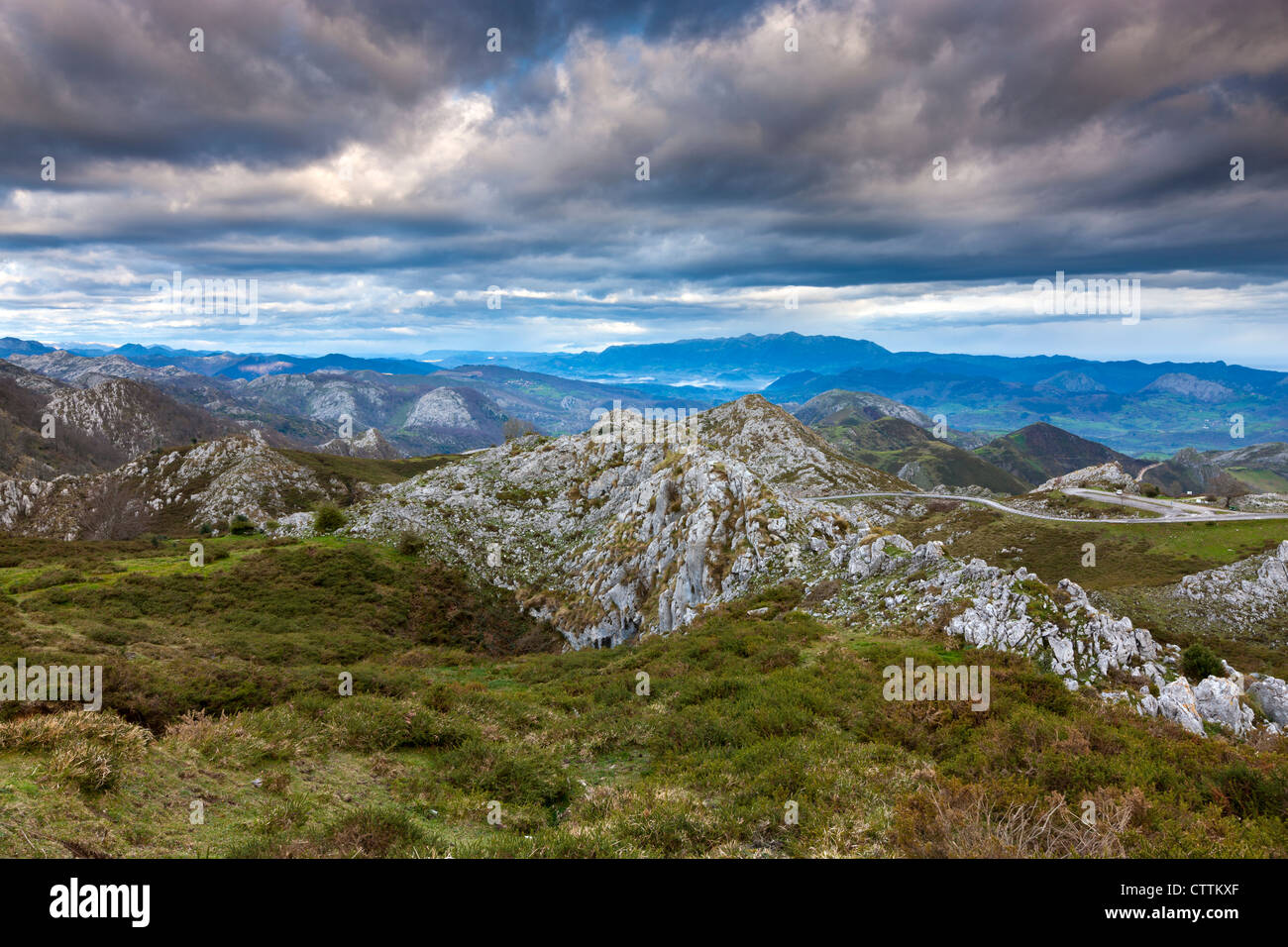 View on mountain near Mirador de La Reina at Covadonga, Picos de Europa National Park, Asturias, Northern Spain - Stock Image