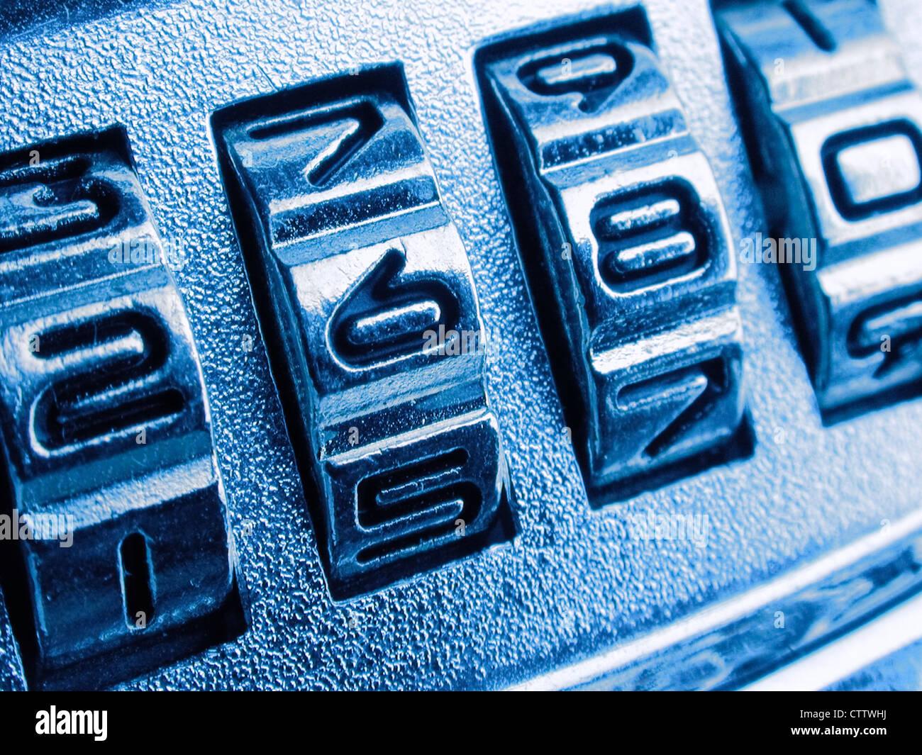 Zahlenräder an einem Zahlenschloss - Stock Image