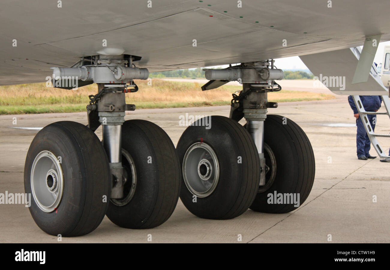 Antonov An-124 'Ruslan'. undercarriage - Stock Image