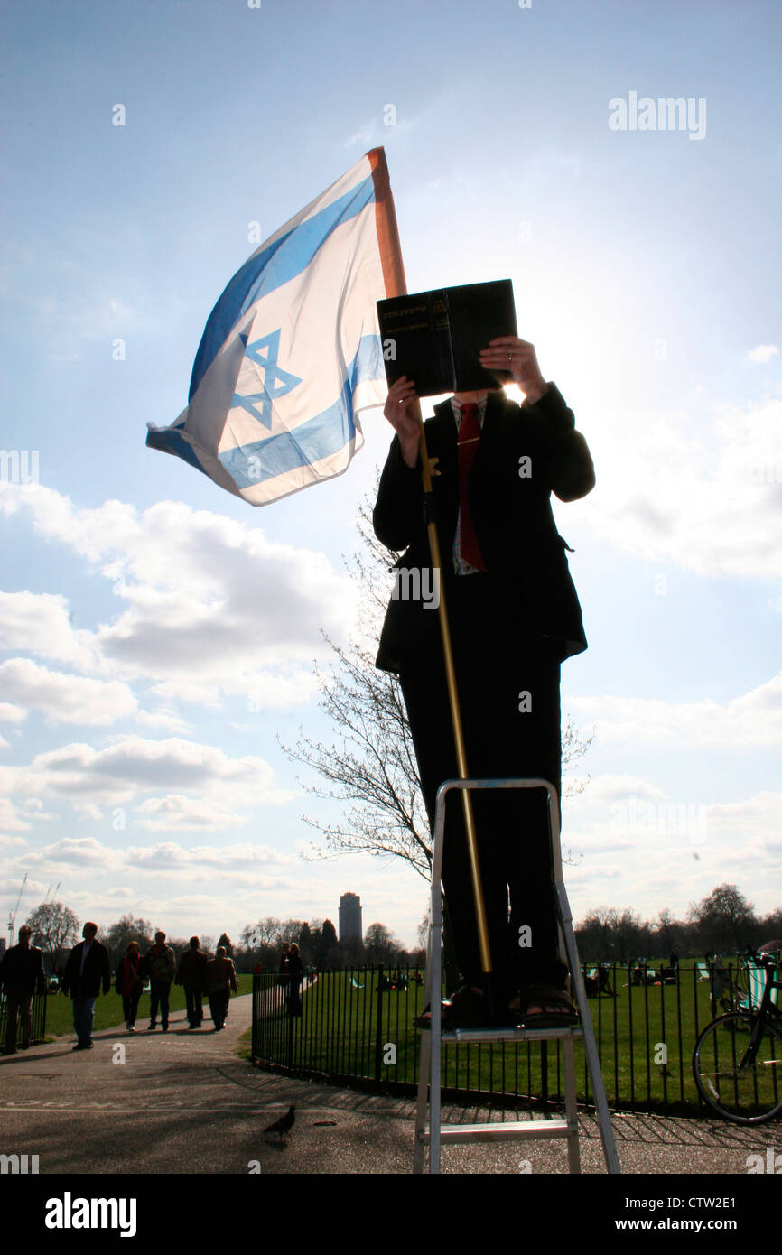 Jewish fundamentalist preaching at speakers corner, Hyde Park, London, UK. - Stock Image