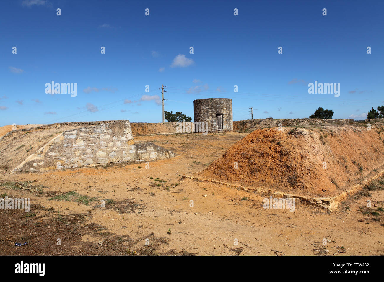 Traverses, part of the defences at Forte de Sao Vicente, one the Lines of Torres Vedras, Portugal. - Stock Image