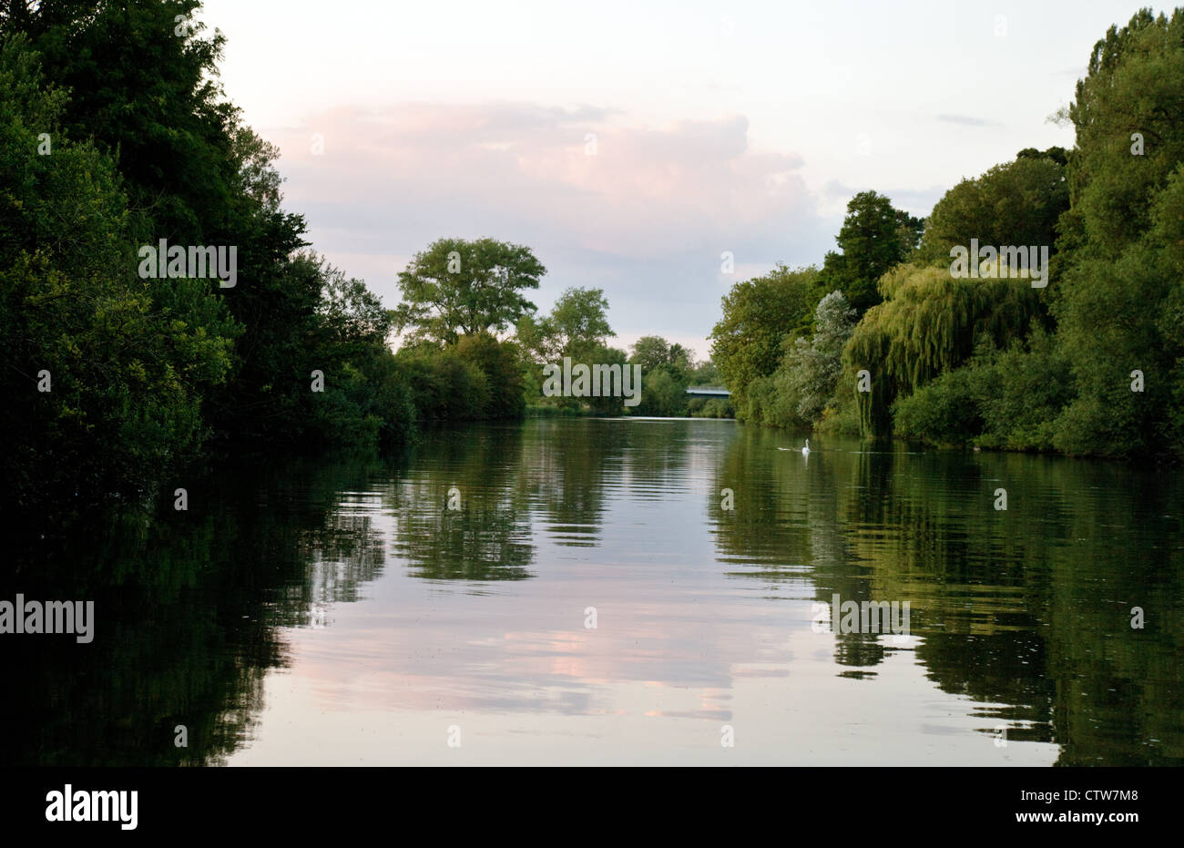 A peaceful evening on the River Thames at Wallingford, Oxfordshire UK - Stock Image