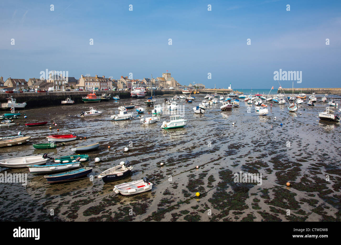 France, Normandy, Barfleur, view of the harbor at low tide Stock Photo