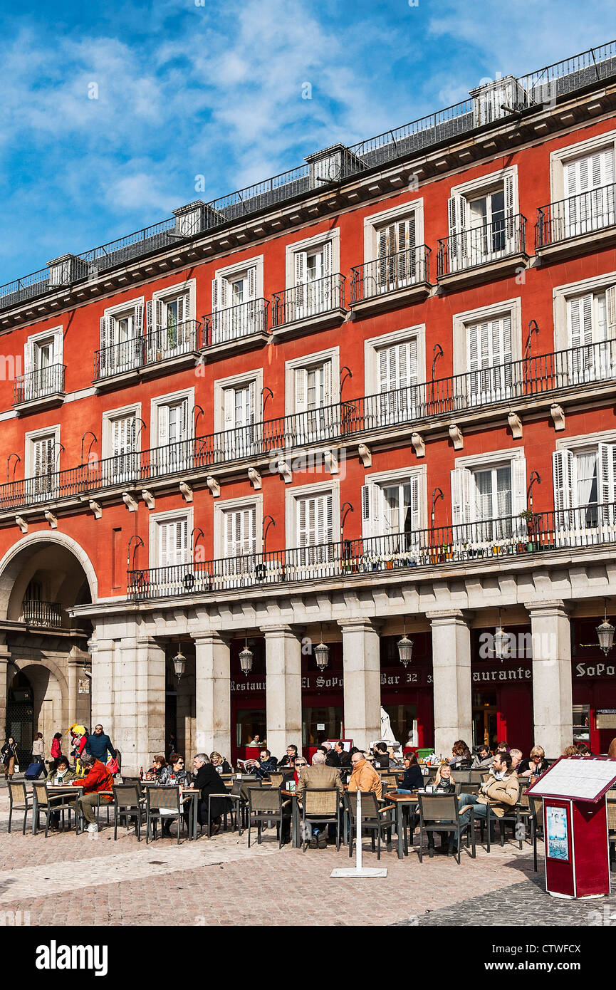 Outdoor cafe in the Plaza Mayor, Madrid, Spain - Stock Image
