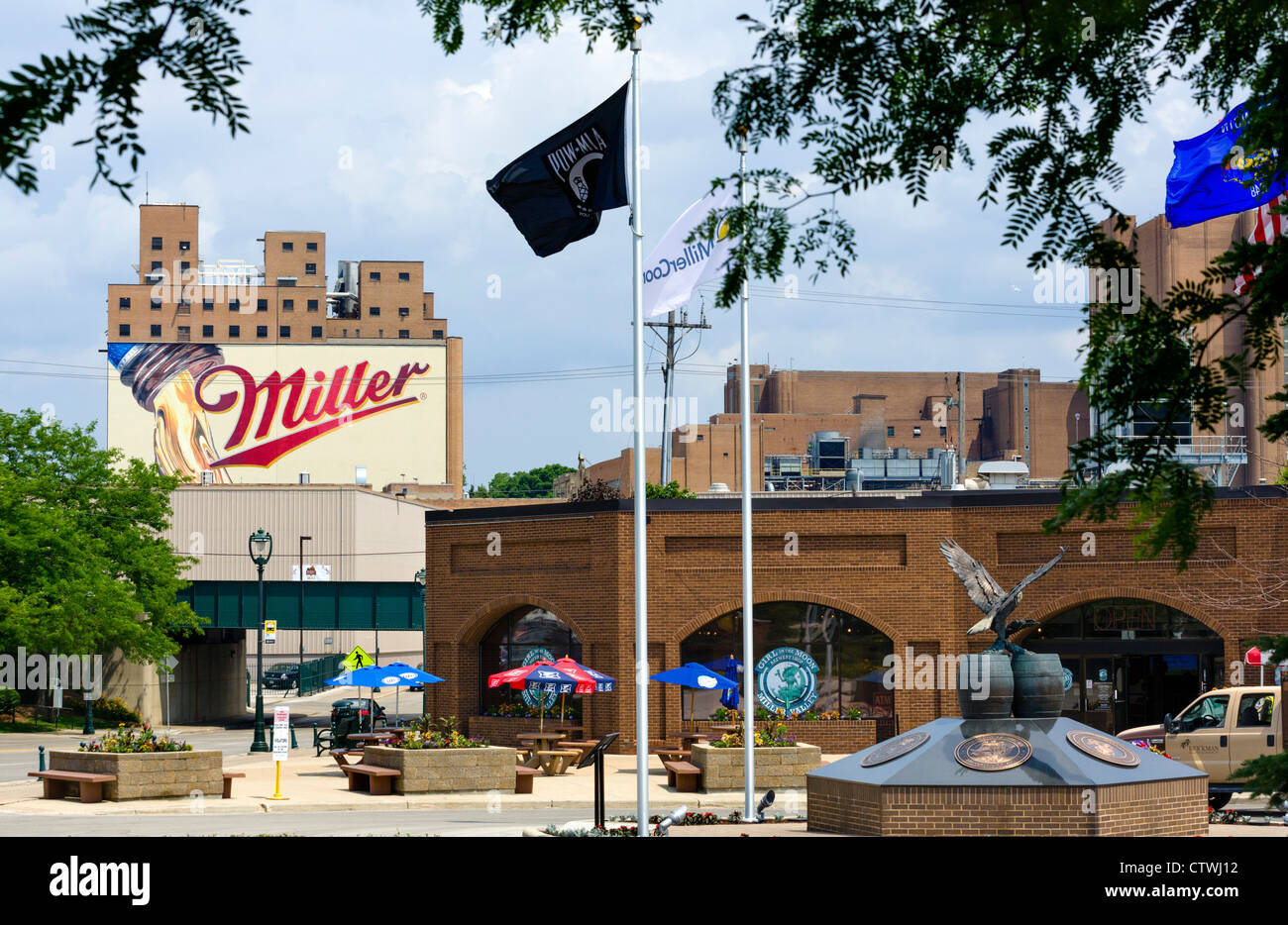 Miller Coors brewery with the visitor center in the foreground, West State Street, Milwaukee, Wisconsin, USA - Stock Image