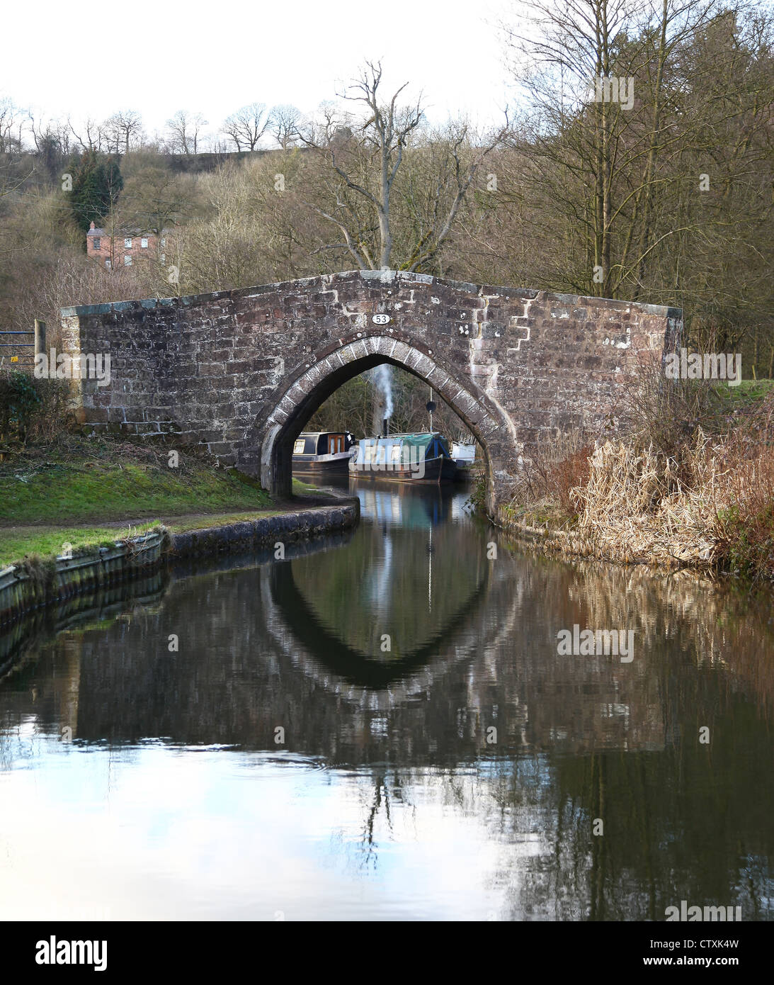 Cherry Eye bridge over the Caldon canal Churnet Valley near Froghall Staffordshire - Stock Image