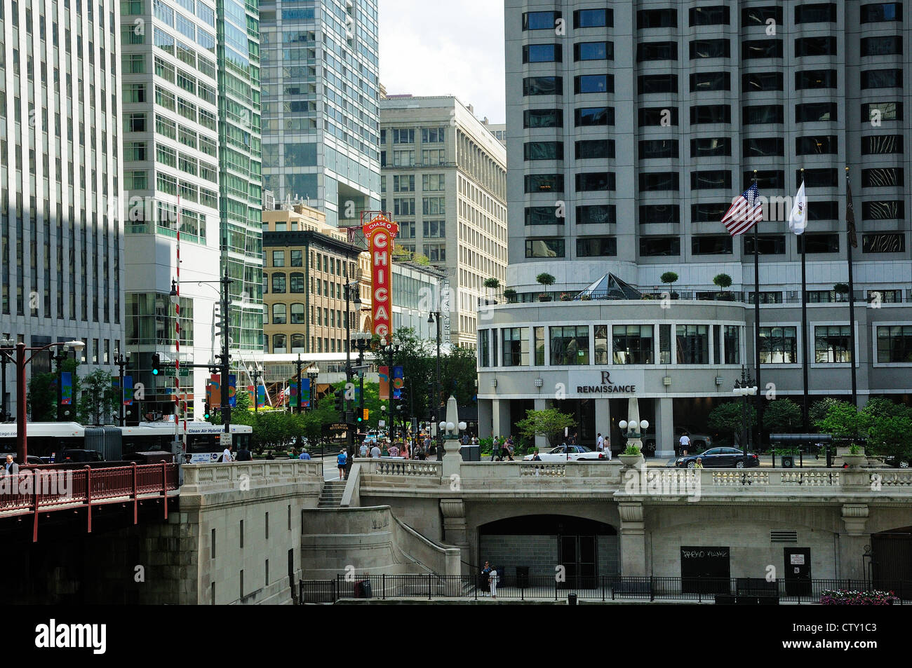 Chicago's State Street bridge. Renaissance Hotel on right. Chicago Theater sign. - Stock Image