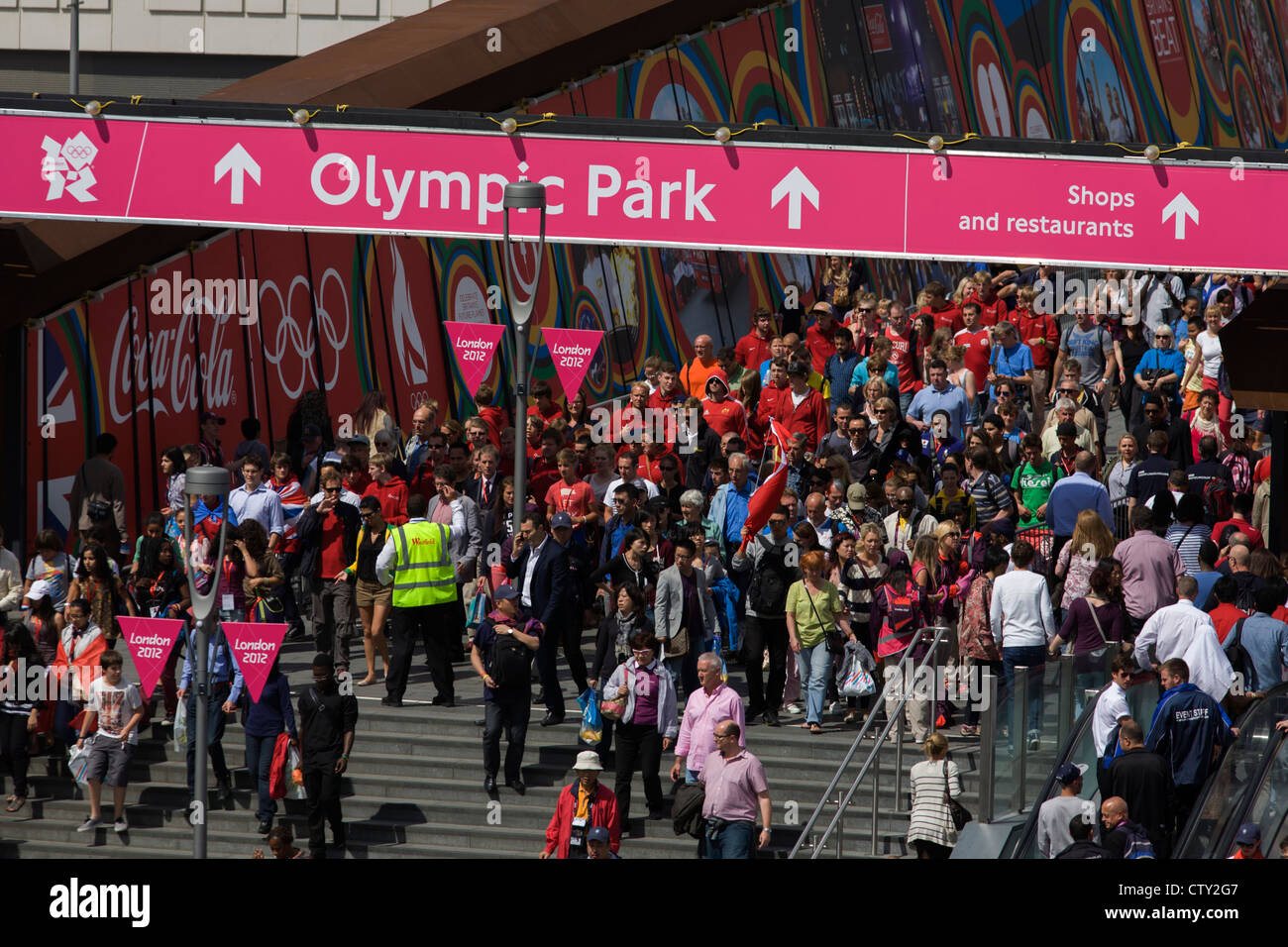 Aerial view of spectator crowds at the Westfield City shopping complex, Stratford that leads to the Olympic Park Stock Photo