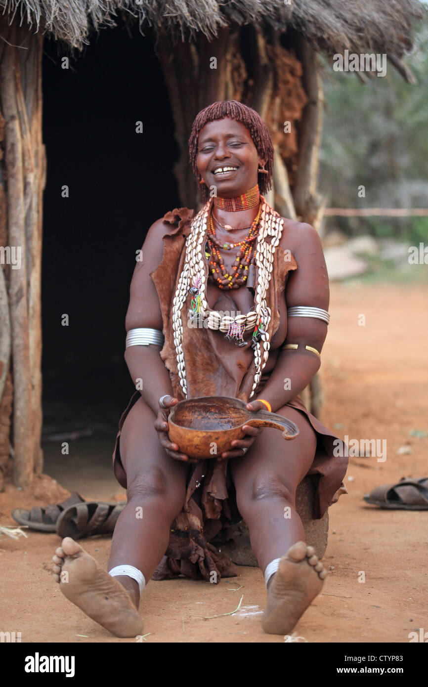 Tribal woman in Omo valley, Ethiopia (Hamar tribe) - Stock Image
