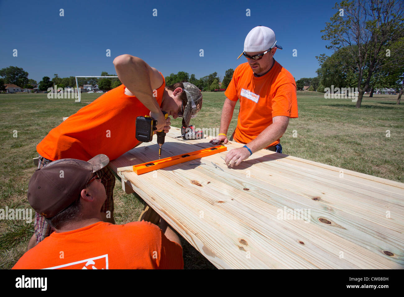Detroit Michigan Volunteers From Home Depot Build Picnic Tables - Picnic table michigan