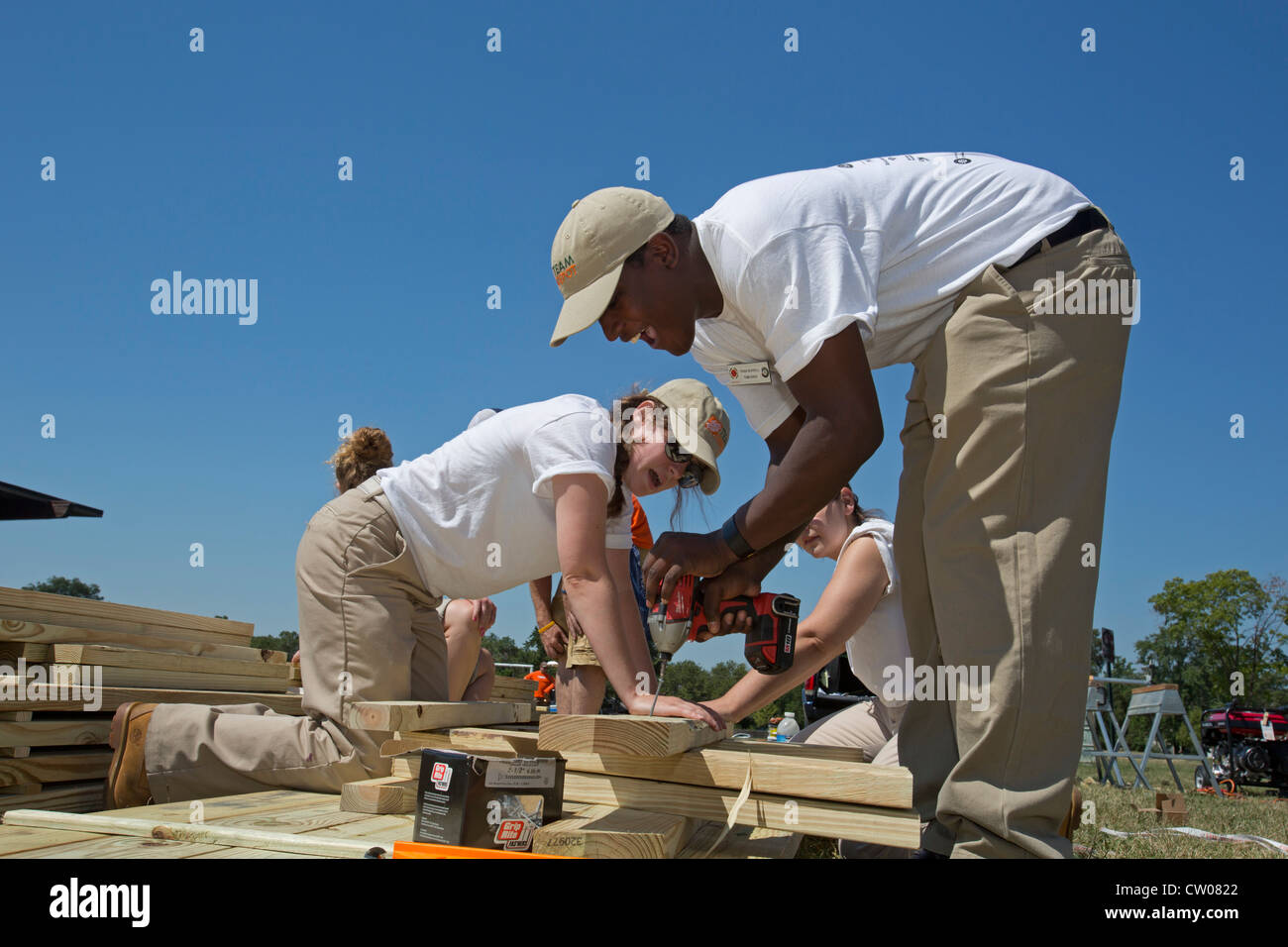 Detroit Michigan City Year Volunteers Build Picnic Tables For - Picnic table michigan