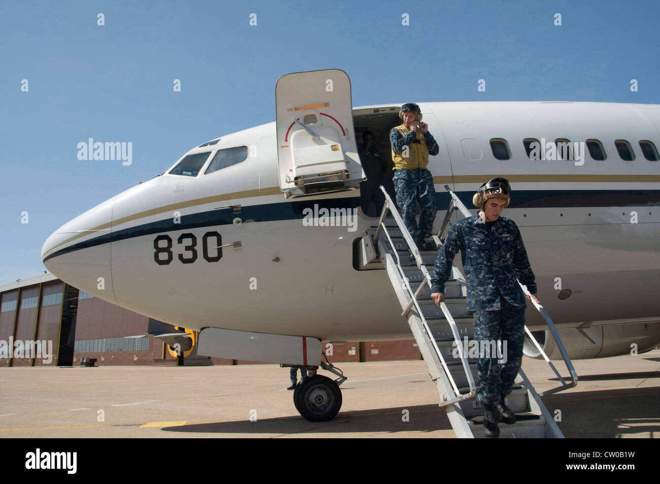 Aircrewman Mechanical Second Class David Adams, left, and Aircrewman Mechanical Second Class Sebastian Moss, right, - Stock Image