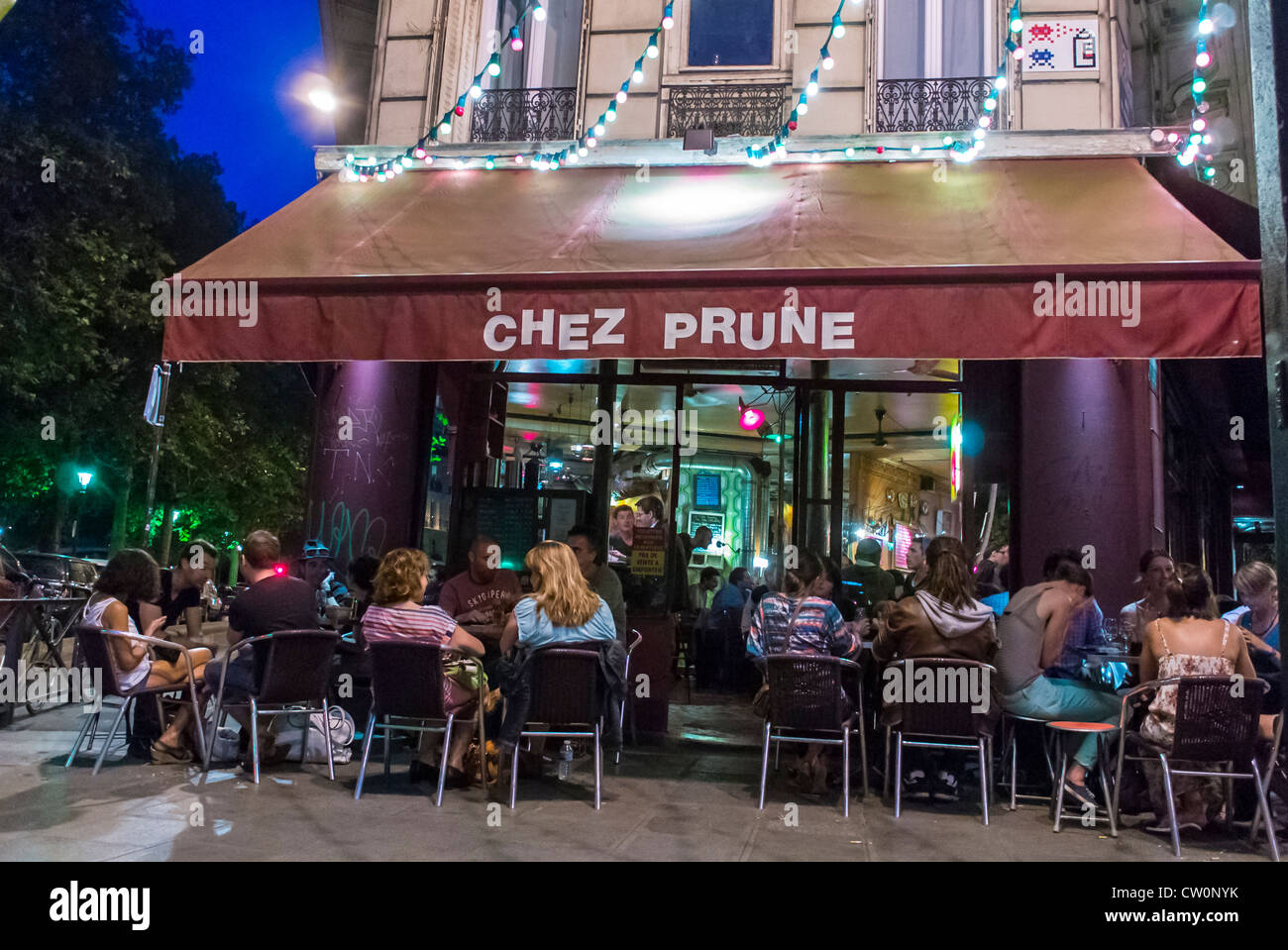Terrasse Canal Saint Martin paris, cafe, france, crowd young people relaxing on terrace