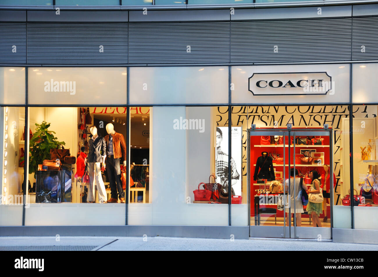 78019f7592 Coach Store Stock Photos & Coach Store Stock Images - Alamy