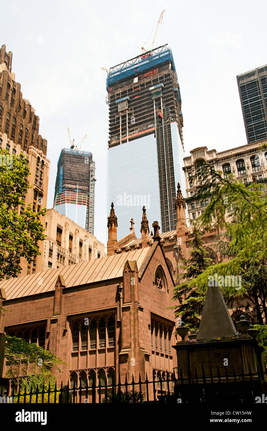 Background One World Trade Center 1 WTC  Lower Manhattan Trinity  Episcopal Church Broadway New York City - Stock Image