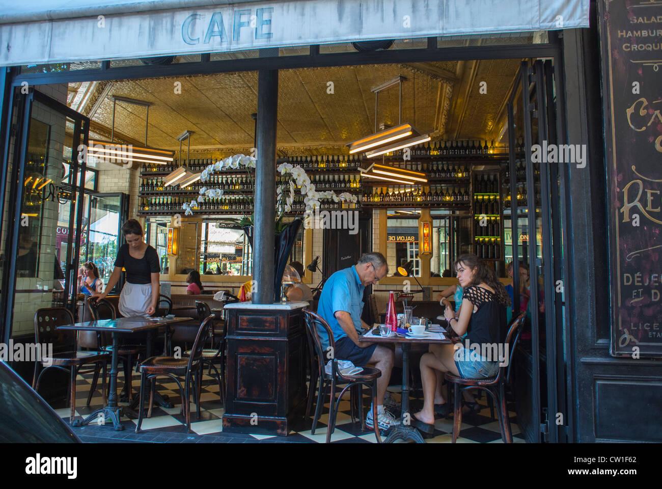Holiday Cafe Paris