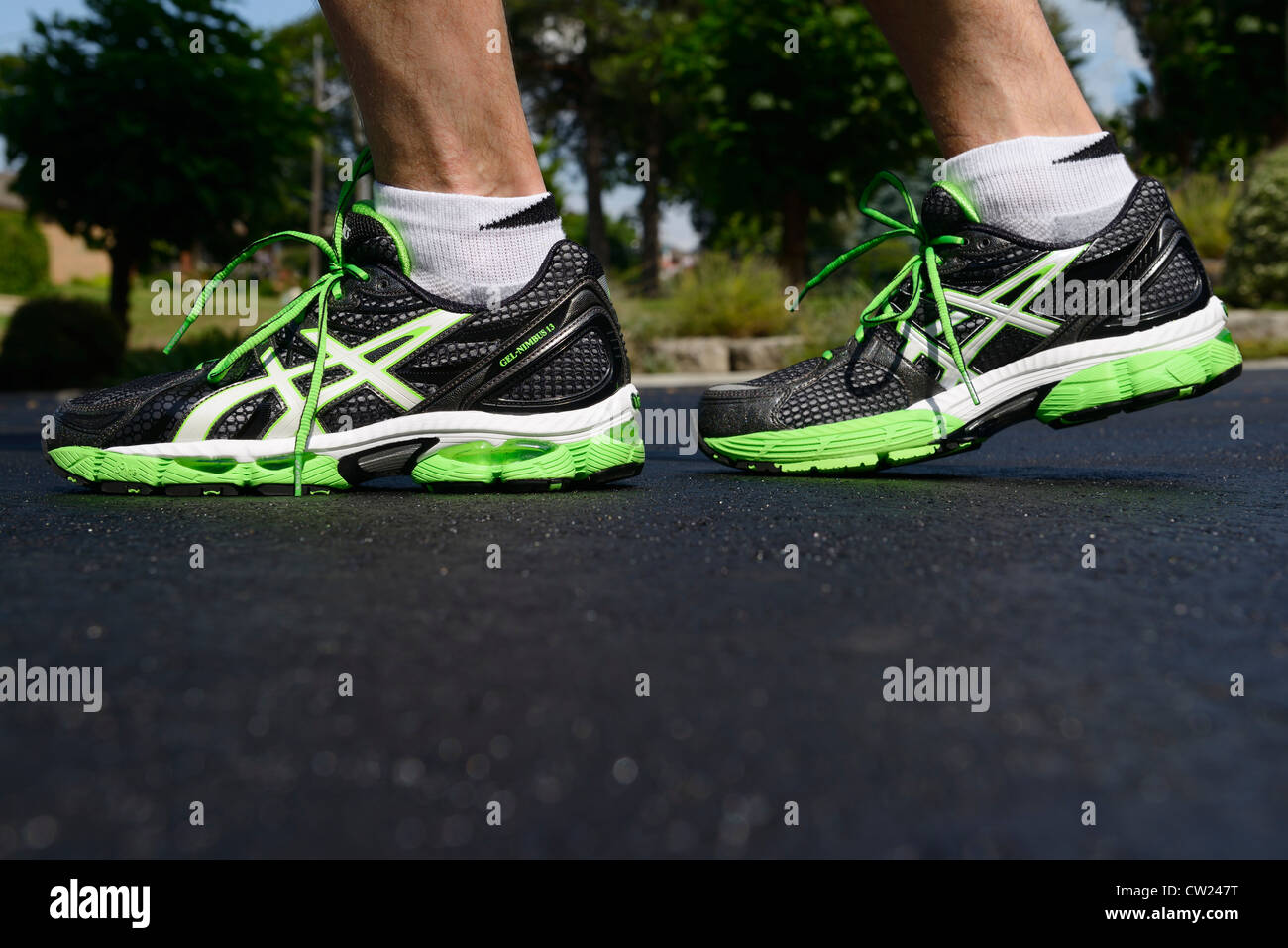 New Close A Of Black Running Up Walking And On Feet Shoes Man D2IbWeEH9Y