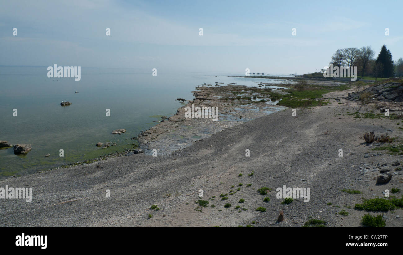 A view of Lake Erie and Erie Beach at Fort Erie, Ontario, Canada  KATHY DEWITT - Stock Image