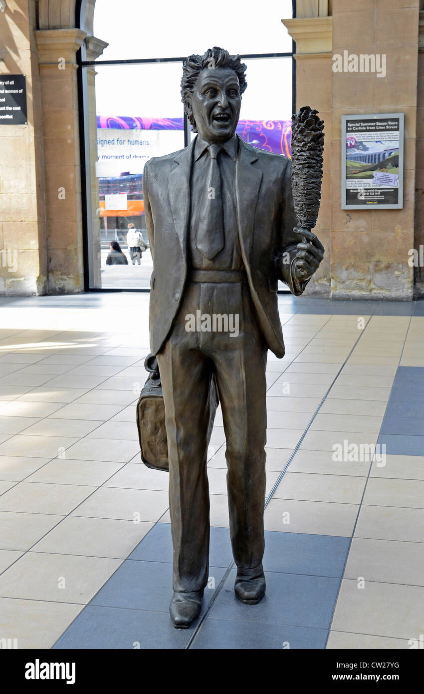 The statue of the famous comedian 'Ken Dodd ' - Stock Image