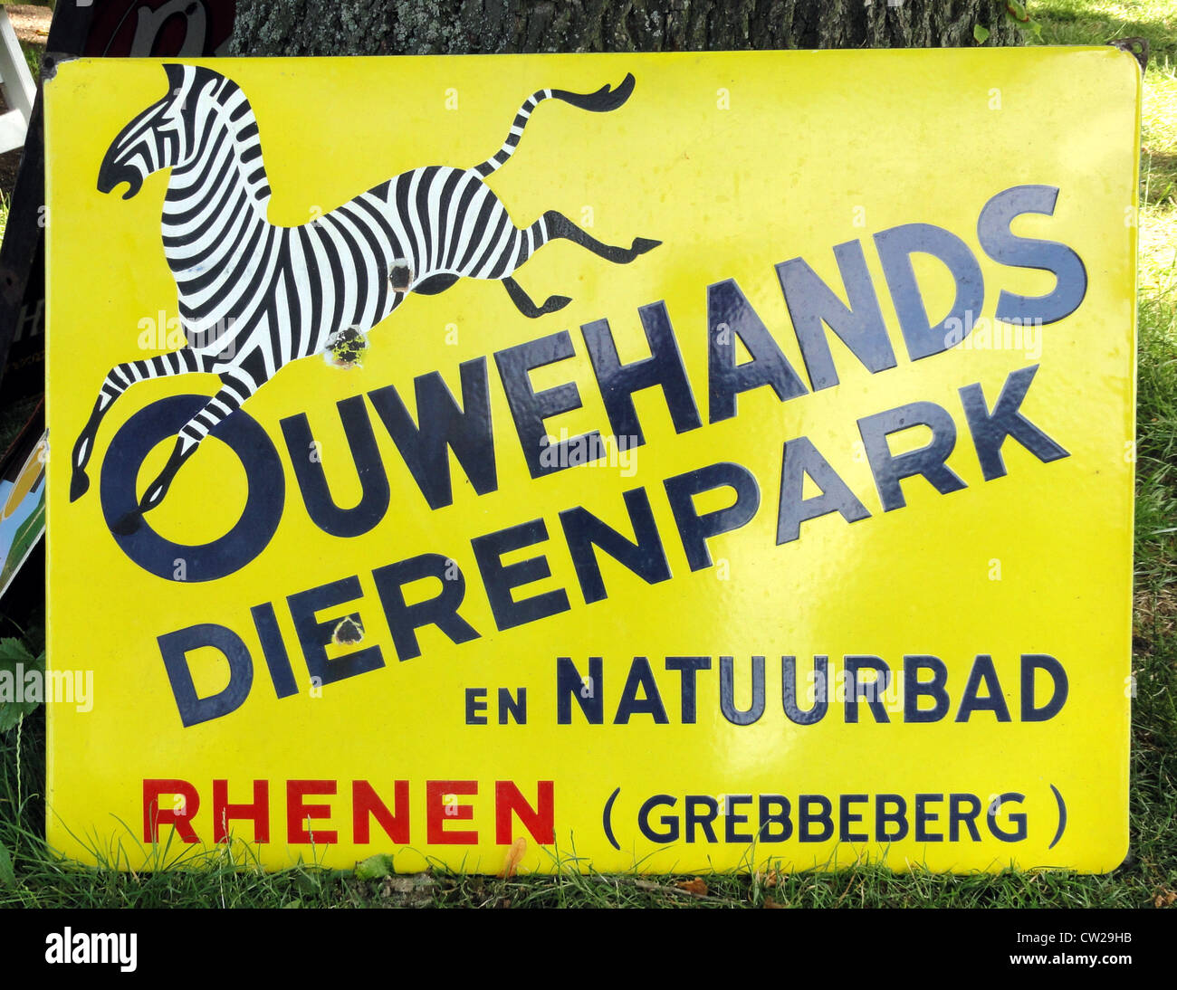 Ouwehands Dierenpark en Natuurbad. Emaille reclame bord. - Stock Image