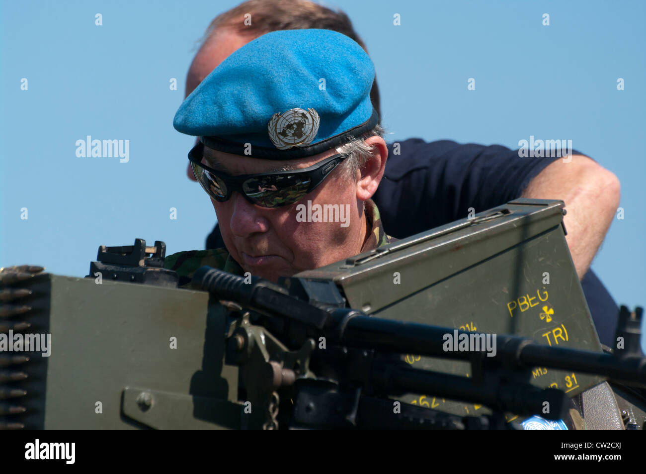 aa7602ab30560 Soldier Wearing A United Nations Peacekeeping Force Beret - Stock Image