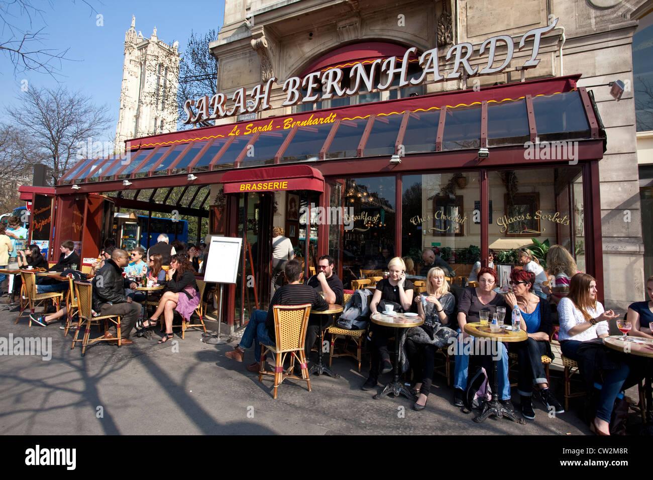 cafe restaurant le sarah bernhardt place du chatelet paris france stock photo 49846967 alamy. Black Bedroom Furniture Sets. Home Design Ideas