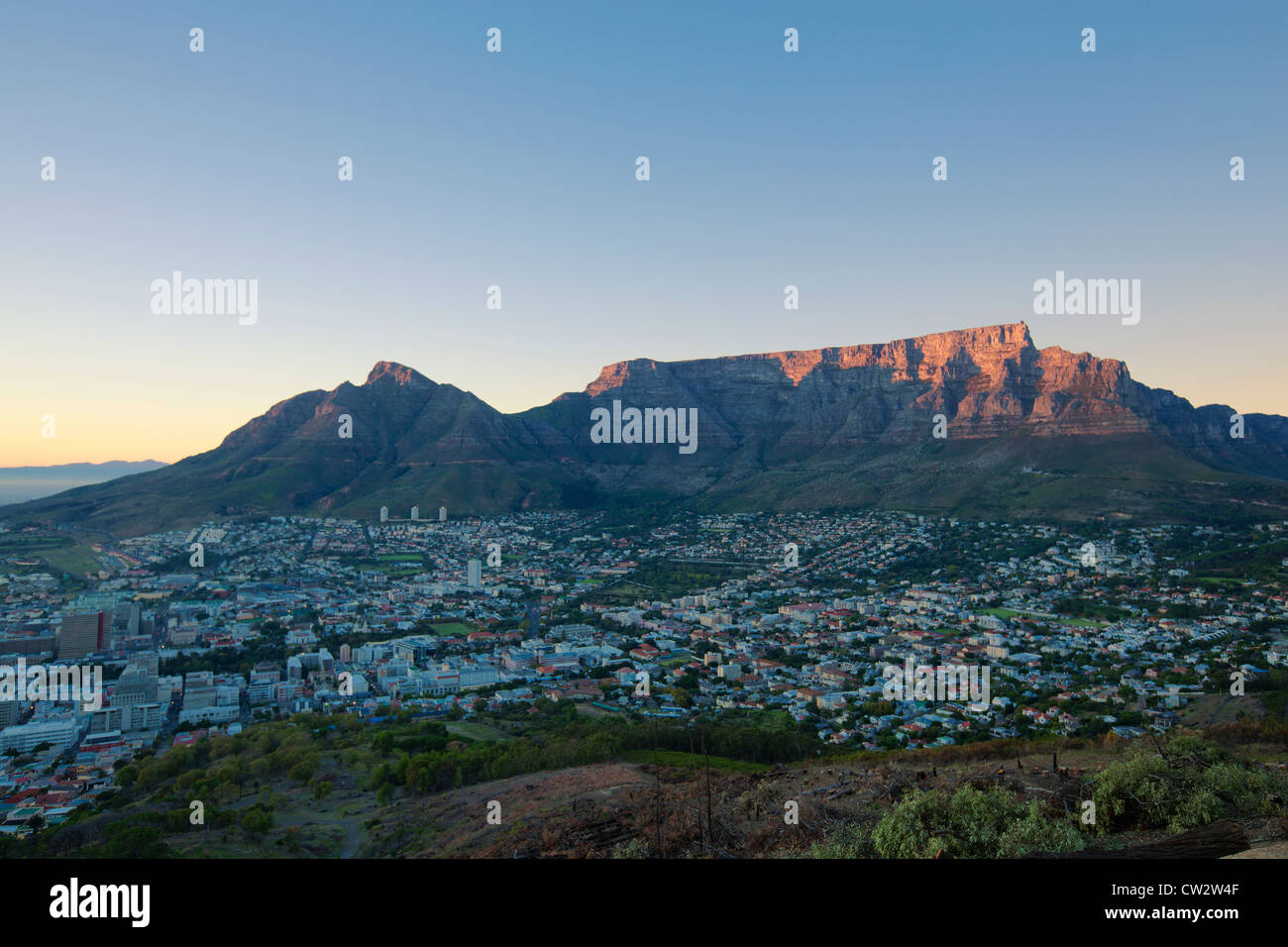 Cape Town city centre at sunrise with a view of Table Mountain. Cape Town,South Africa - Stock Image