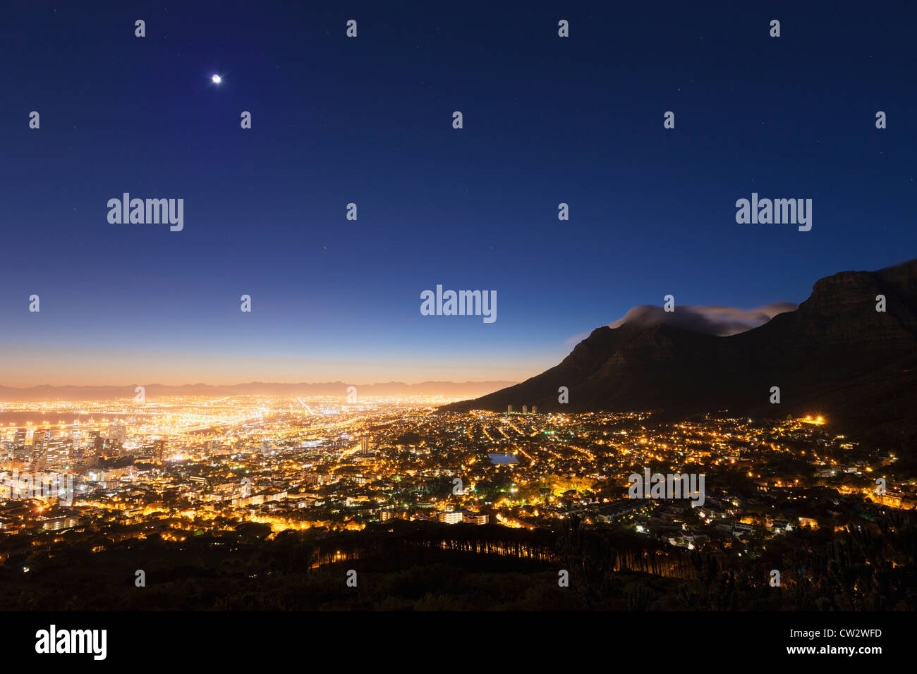 Cape Town city centre at sunrise with a view of Table Mountain. Cape Town.South Africa - Stock Image
