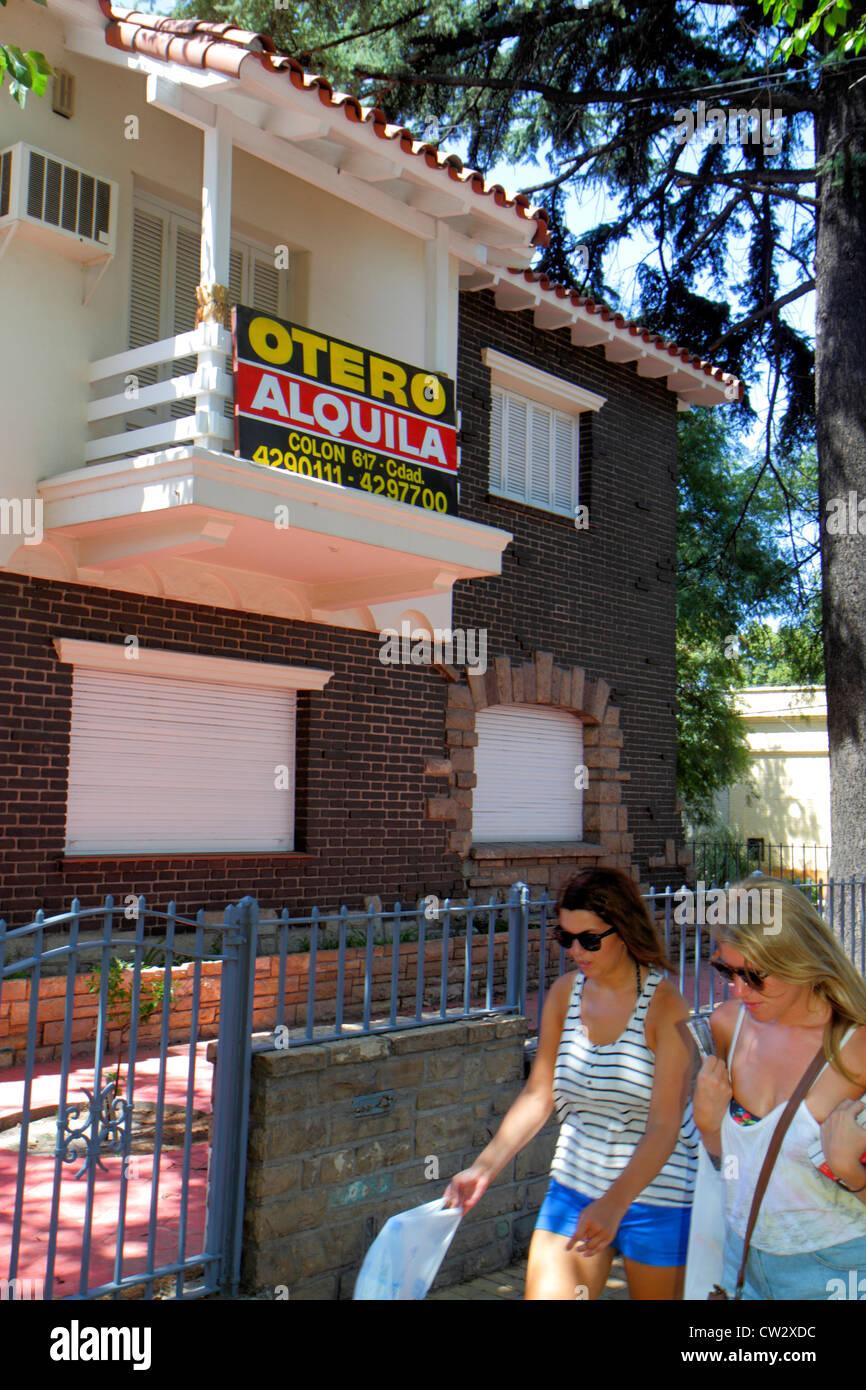 Mendoza Argentina Avenida Emilio Civit sidewalk single-family house for rent housing two-story rental sign Spanish Stock Photo