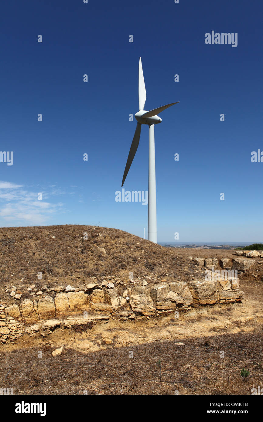 A windmill stands by the Forte do Cego, fort number 9 of the 152 forts and earthworks of the Lines of Torres Vedras, - Stock Image