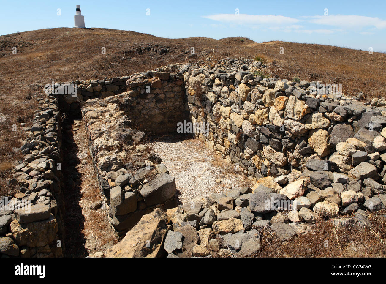 The remains of a magazine within Forte da Carvalha, fort number 10 of the 152 forts and earthworks of the Lines - Stock Image