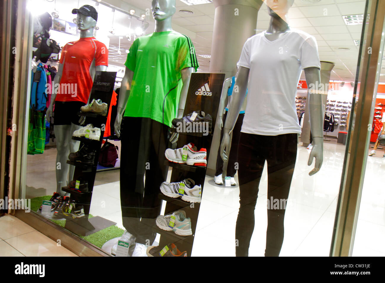 Mendoza Argentina Villa Nueva Mendoza Plaza Shopping mall store business  shopping center centre sportswear clothing clothes appa 5779dc0013f