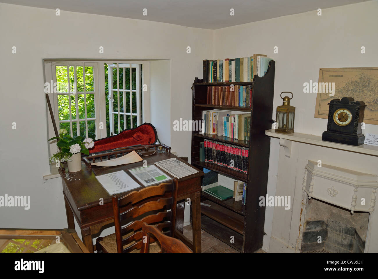 interior of thomas hardy 39 s cottage higher bockhampton dorset stock photo 49857013 alamy. Black Bedroom Furniture Sets. Home Design Ideas