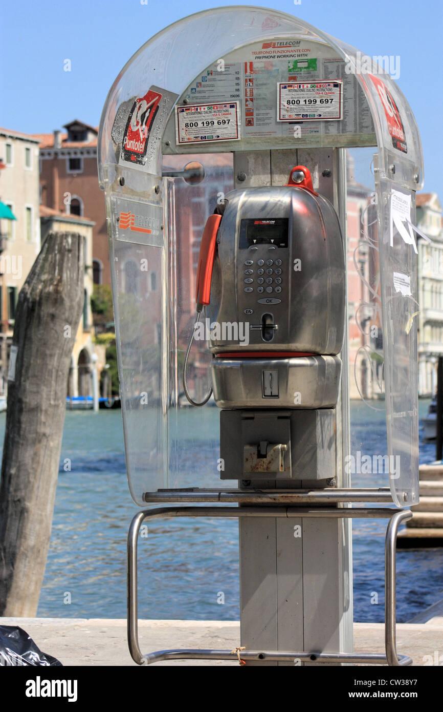 Public phone box - Puntotel Telecom Italia Italy - Stock Image