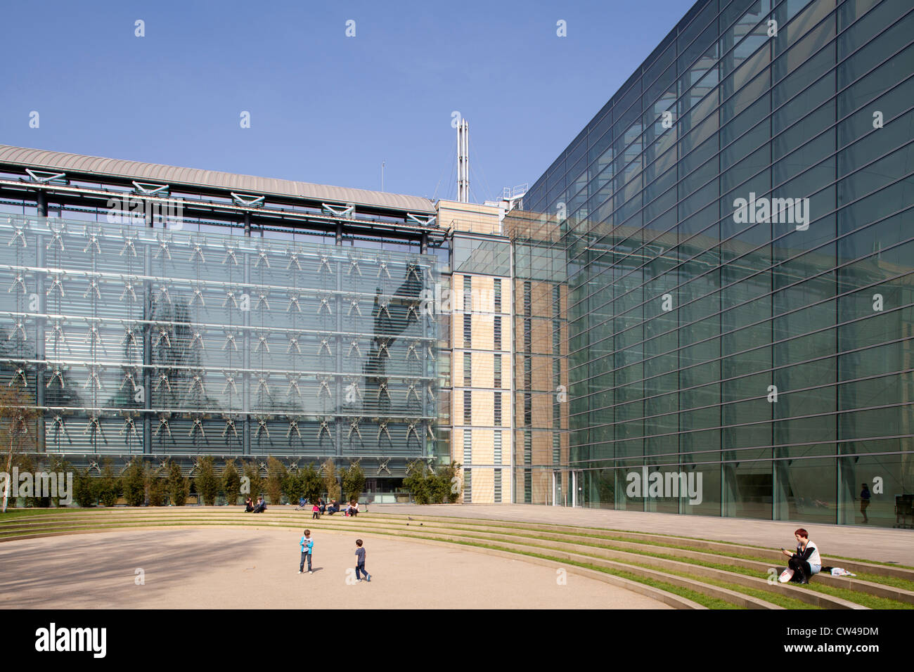 Darwin Centre and Natural History Museum, London - Stock Image