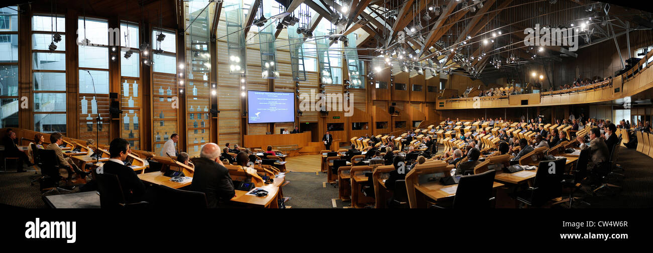 Panoramic view of the interior of the debating chamber of the Scottish Parliament in Edinburgh, Scotland. - Stock Image