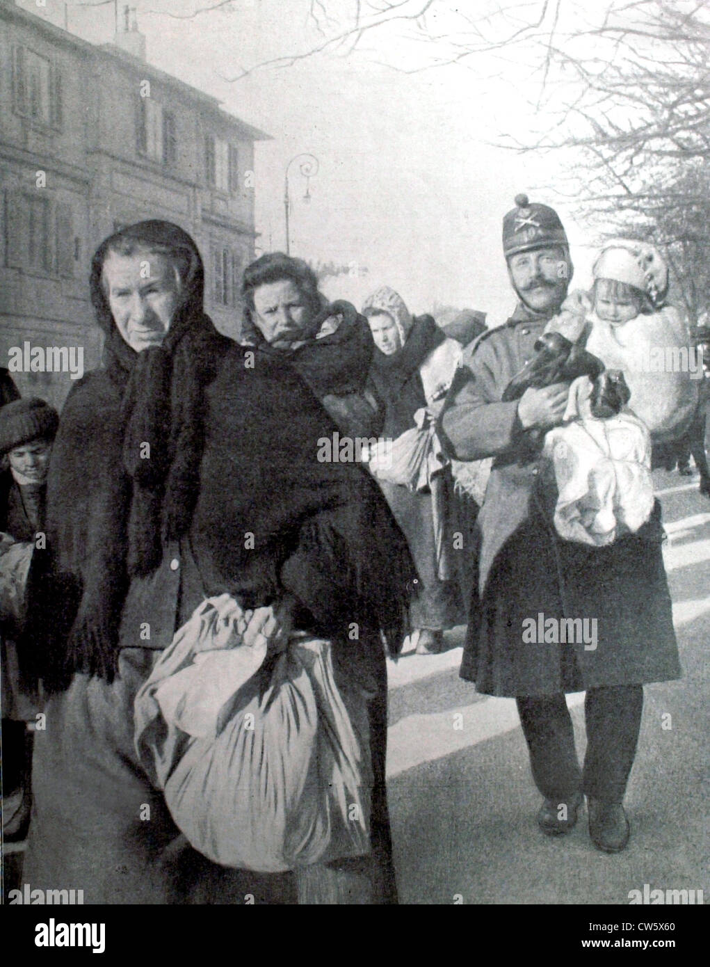 World War I. French civilians evacuated by the Germans, going through Geneva - Stock Image