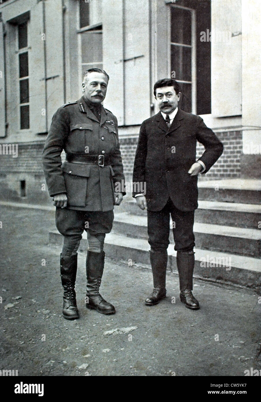World War I. Sir Douglas Haig, commander-in-chief of the British armies, and Mr. Painlevé, French war minister - Stock Image